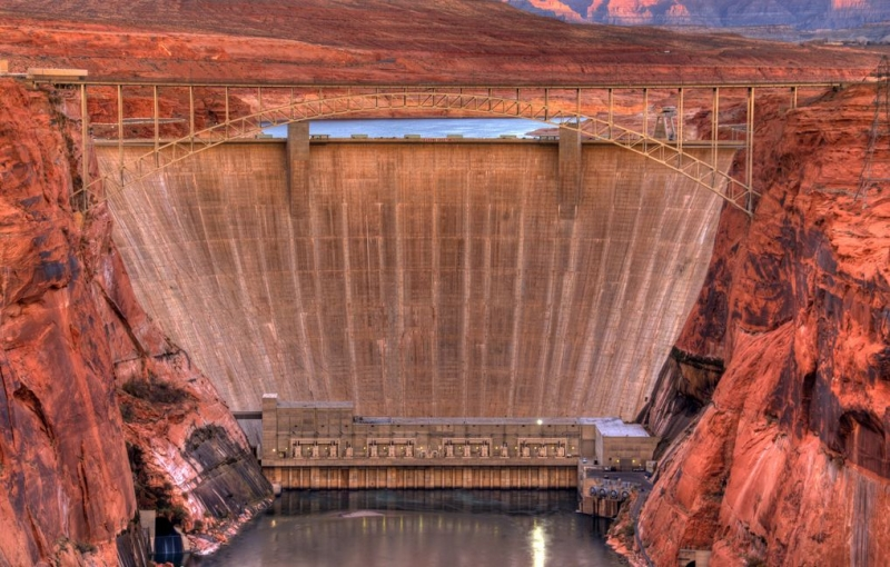 Дамба Glen Canyon Dam (США)